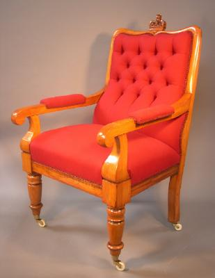 Judge's chair made by John Hill