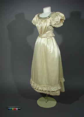 Ball dress; bodice and skirt with matching petticoat, 1890s